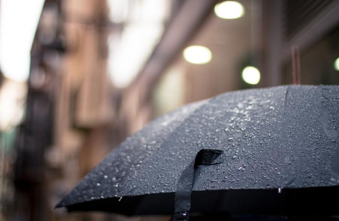 Precauciones en caso de lluvia o viento